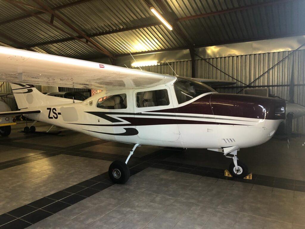1975 Cessna 210L