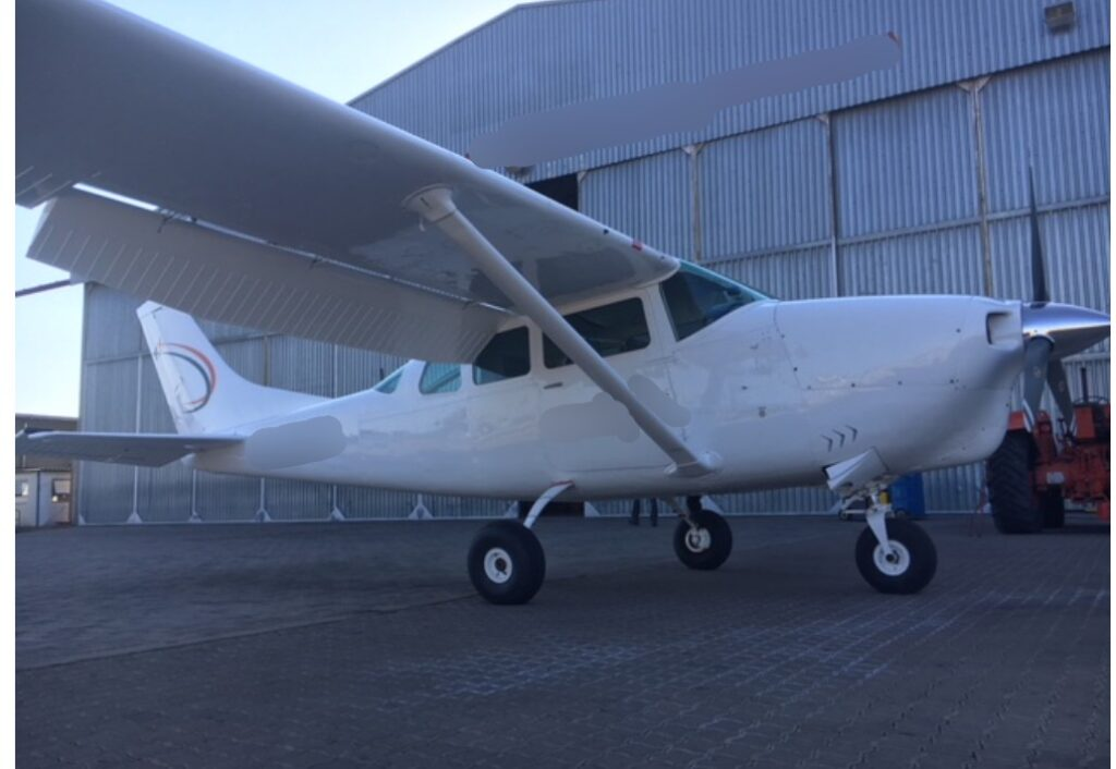 1966 Cessna P206A